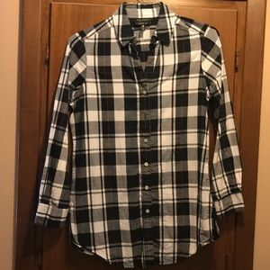 Plaid long sleeve shirt.